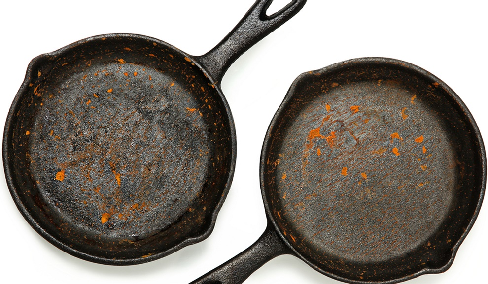 burnt cast iron pan